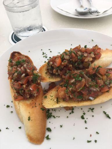 tomato-salsa-bruschetta