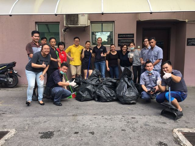 LMKK - Group Photo with team after cleaning