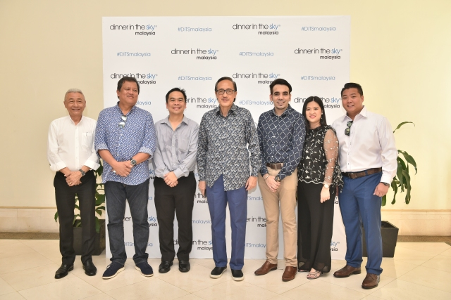 VVIPs with The organizer of Dinner In The Sky together with Mr Gerard Deputy CEO of Sutera Harbour Resort Photo - Backdrop