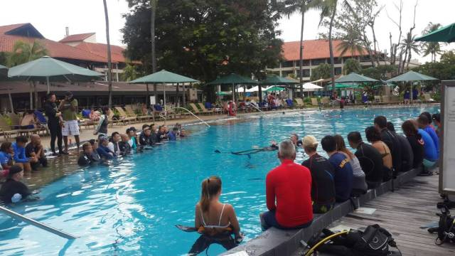 BDSS - PADI Course Director Training Course in Shangri-La Tanjung Aru Resort and Spa Swimming Pool